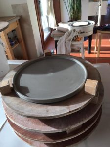 stapel gedraaide borden